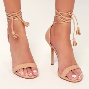 Lulus high heels (elsi tassel in nude)